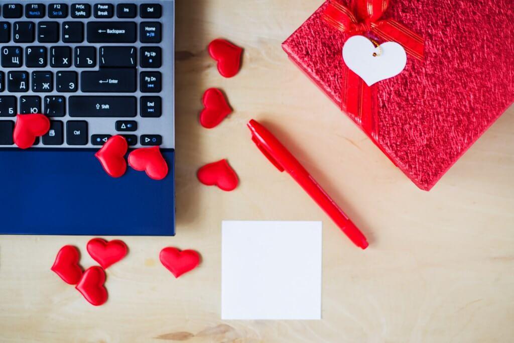 Como Gerenciar Relacionamento Amoroso no Trabalho - Motivaplan